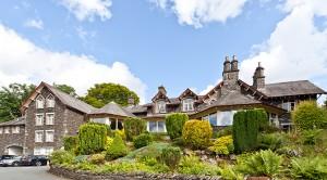 The Craig Manor exterior